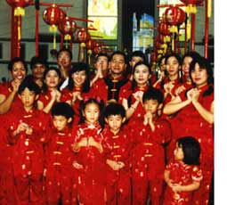 in jakarta the chinese flocked to chinese temples including yinde yuan or vihara dharma bhakti on jl petak sembilan in west jakarta and da bo gong in the - Chinese New Year 2001